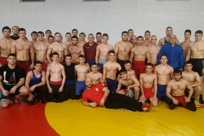 Mlade rvačke nade na pripremama u Rumuniji
