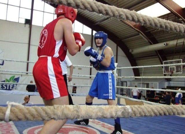 Ima nade za boks, stotine dečaka i devojčica učestvovalo na prvenstvu Srbije