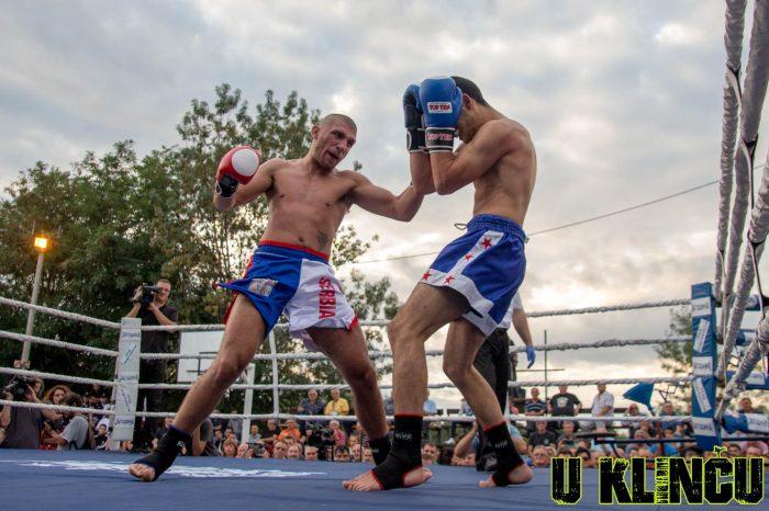 Dominantni Konovalov se poigravao u ringu!