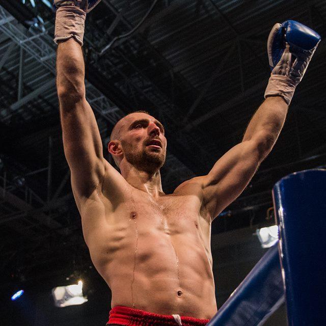 """Stošić šampion sveta, """"Zlatni kik bokser"""" Aleksandar Konovalov!"""