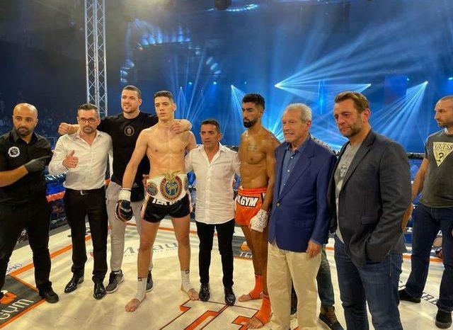 Todorović razorio protivnika i postao šampion sveta!